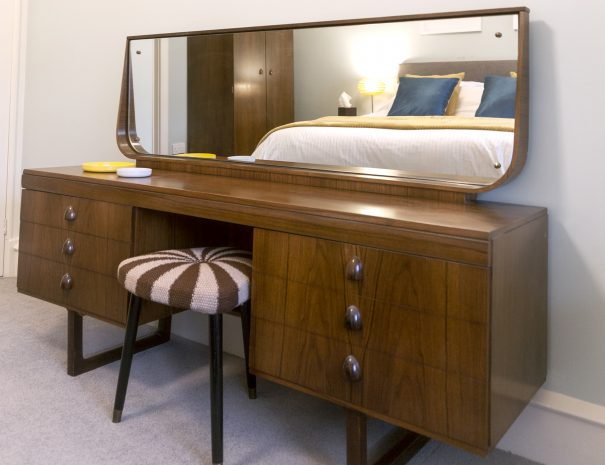 Silver Birch room - dressing table