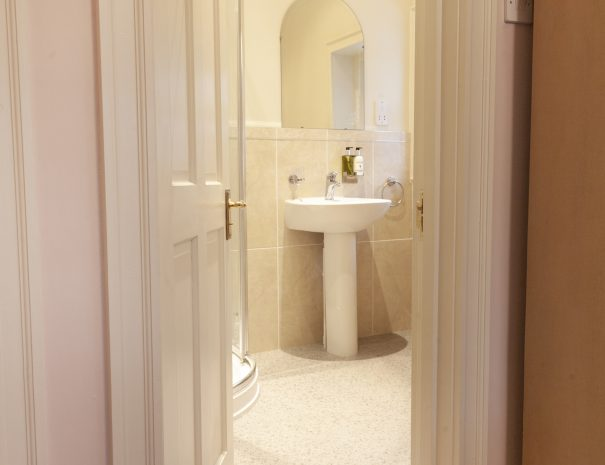 Copper Beech room - ensuite
